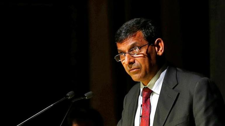 उर्जित पटेल यांचा राजीनामा भारतीयांसाठी चिंतेचा विषय – रघुराम राजन